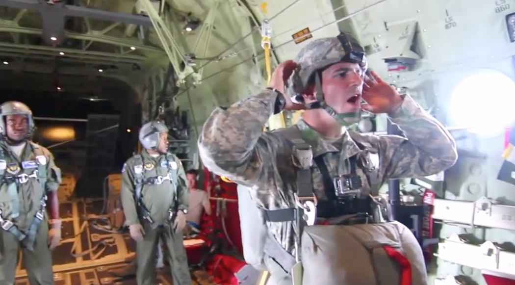 [VIDEO] U.S. Army Airborne Jumpmaster POV Cam – Jumping from C-130